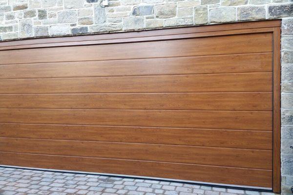 Brama segmentowa drewniana