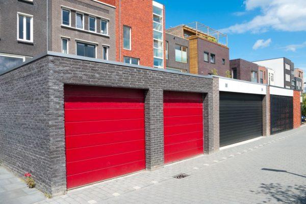 Podnoszone bramy garażowe – ich zalety i wady