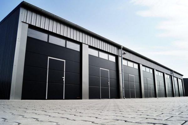 Drzwi garażowe – czy to rozwiązanie warte uwagi?